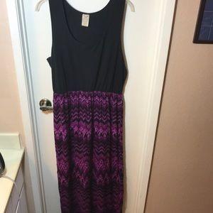 Cool, Cute Maxi Dress - XXL
